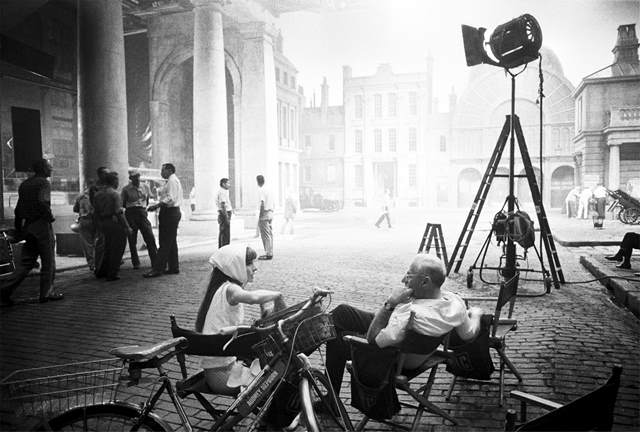 Audrey_Hepburn_and_George_Cukor_on_My_Fair_Lady_©_Bob_Willoughby