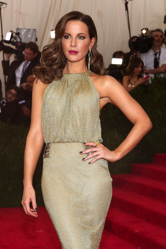 """NEW YORK, NY - MAY 04:  Actress Kate Beckinsale attends """"China: Through the Looking Glass"""", the 2015 Costume Institute Gala, at Metropolitan Museum of Art on May 4, 2015 in New York City.  (Photo by Taylor Hill/FilmMagic)"""