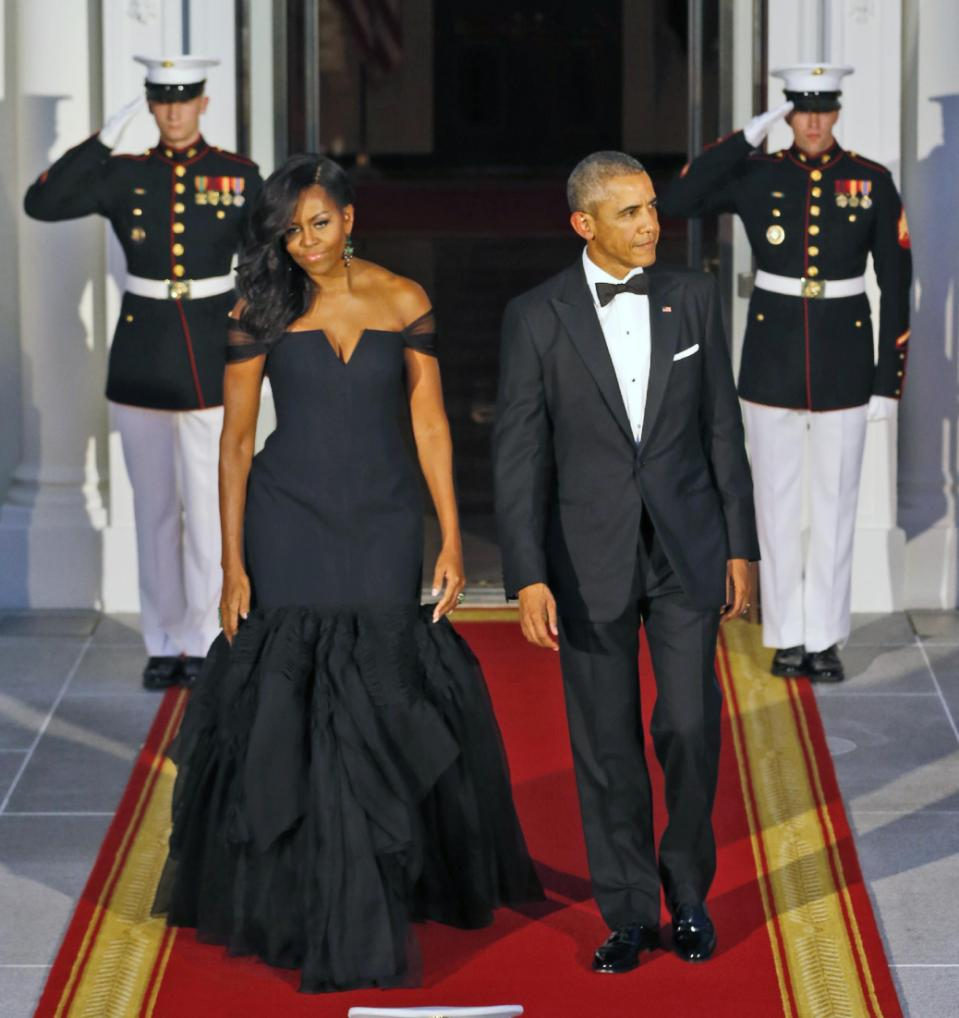 MICHELLE OBAMA DAZZLES IN A VERA WANG GOWN