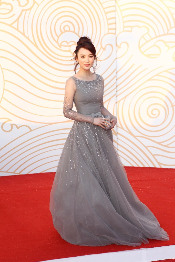 Over this past weekend the Chinese actress Qinqin Jiang was stunning in GEORGES HOBEIKA for the 24th China Golden Rooster and Hundred Flowers Festival.