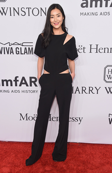 SUPERMODEL LIU WEN WEAR PRABAL GURUNG