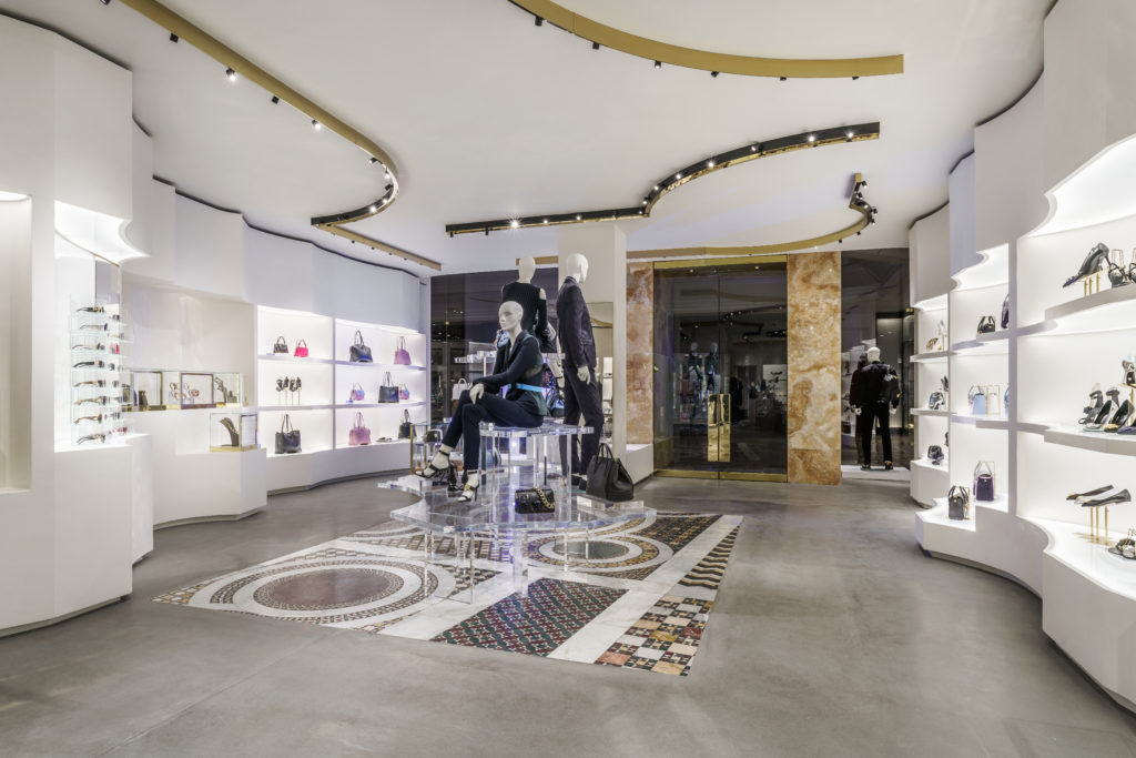 VERSACE CELEBRATES OPENING OF BOSTON BOUTIQUE