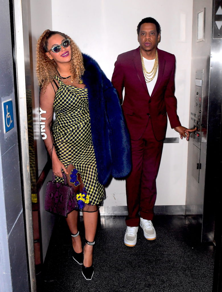 BEYONCE SPOTTED WEARING VERSACE